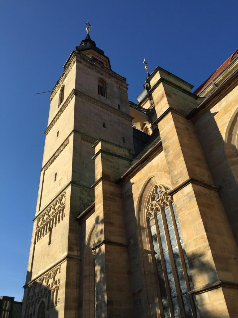 Wolkenloser Himmel über Bayreuth.